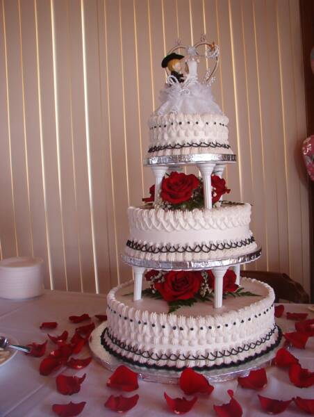 Wedding cake red black white