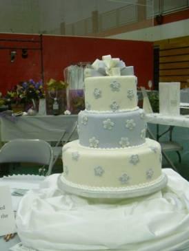 WEdding cake fondant bow & flowers