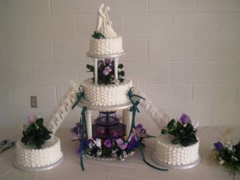Basketweave with Water Fountain wedding cake